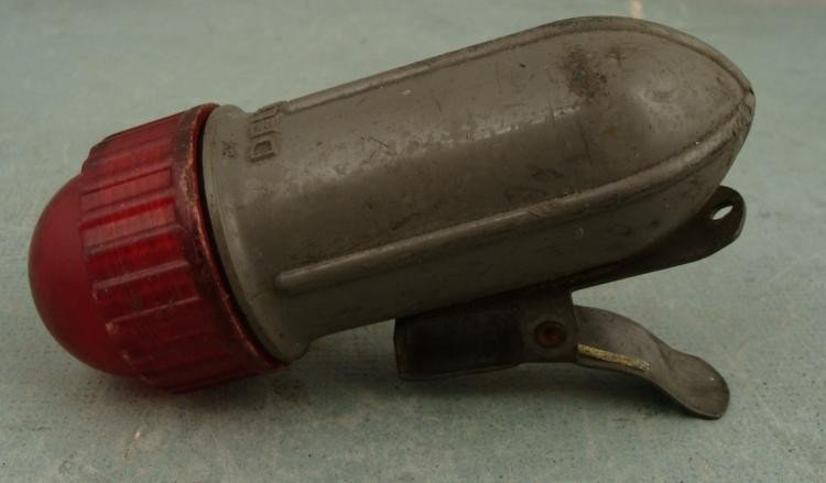 WWII DOWNED FLYERS DELTA SIGNAL LIGHT