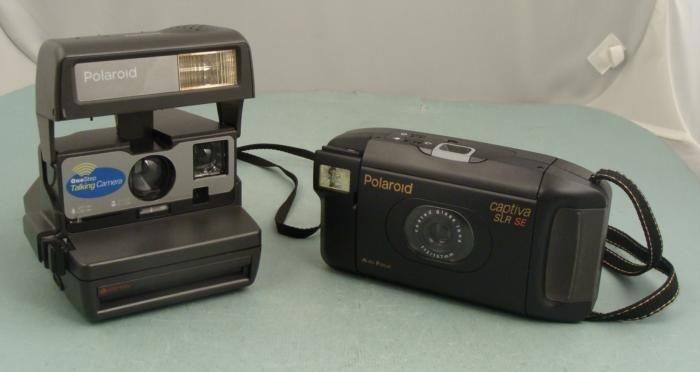 2 Polaroid Cameras Talking One Step 600, Captiva SLR SE
