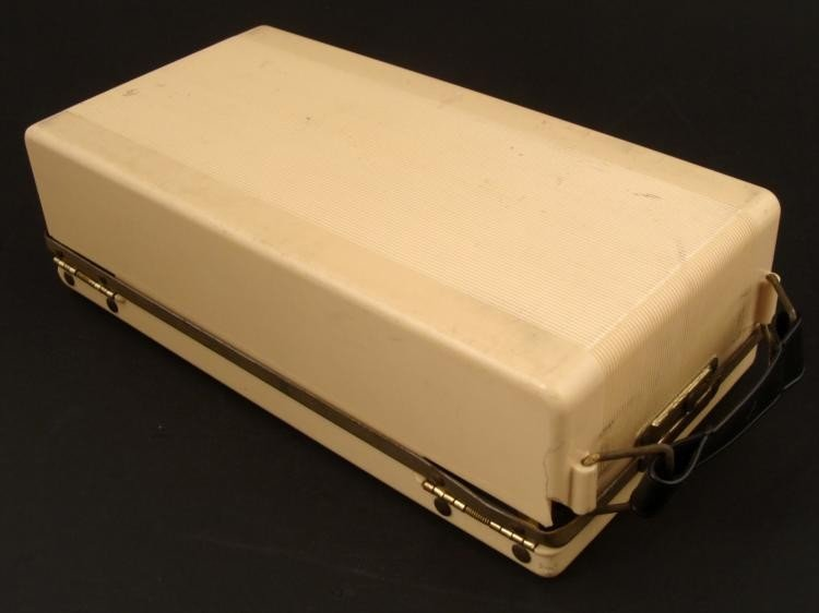 Emerson Portable Tube Radio Model 558 Vintage 1948 - 4