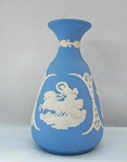 WEDGWOOD Vase 4 7/8in H MWF339C