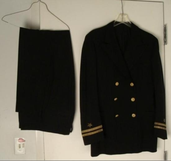 FULL WWII NAVY OFFICERS UNIFORM
