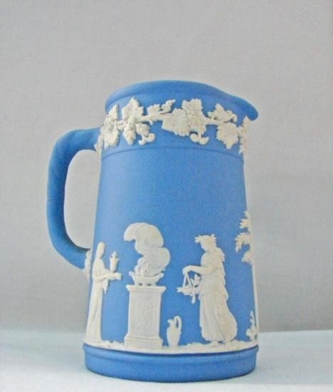 WEDGWOOD Pitcher H 4 1/2in MWF339A