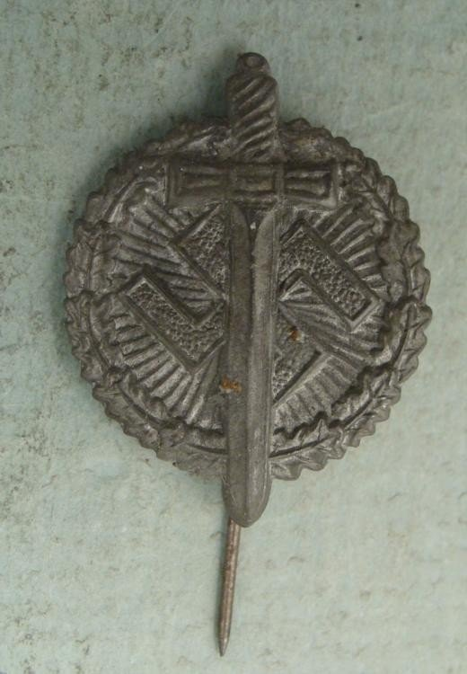 EARLY NAZI STORMTROOPER'S BADGE-SWASTIKA, LAUREL -RARE