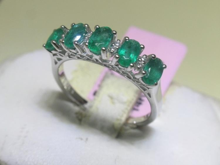 Emerald and Diamonds 14K White Gold Ring Size 6 3/4