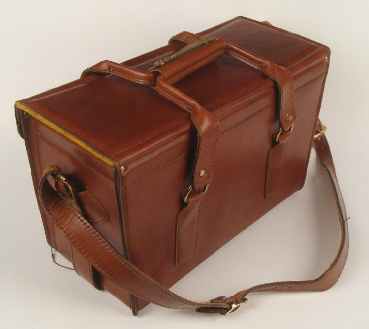 HOMA Brown Leather Camera Case / Travel Bag - 2
