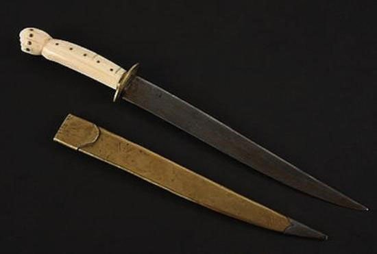 MWF1509 19th C Dagger with Carved Walrus Tusk Handle