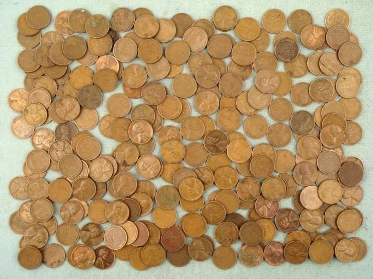 Over 250 Unsearched Wheat Cents Pennies
