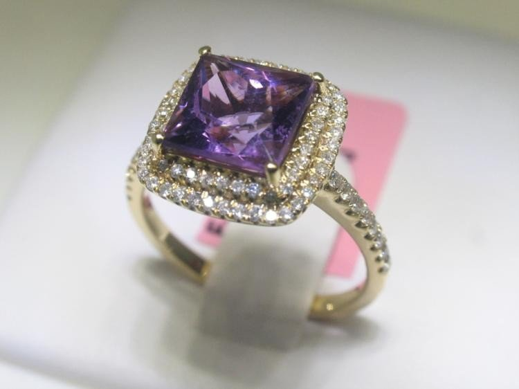 14K Yellow Gold Amethyst and Diamonds Size 6 1/2 Ring
