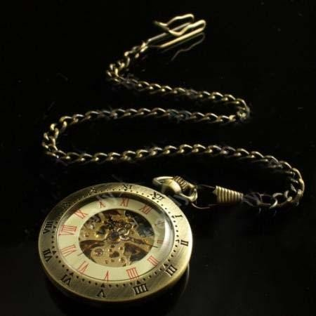 Classic Engraved Brass Mechanical Pocket Watch MWF1784