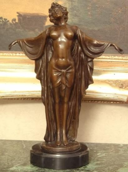 Elegant Bronze Sculpture Greek Goddess Aphrodite