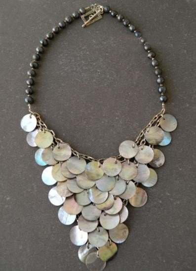 Fashionable Mother of Pearl Cascading shell and Pearl N