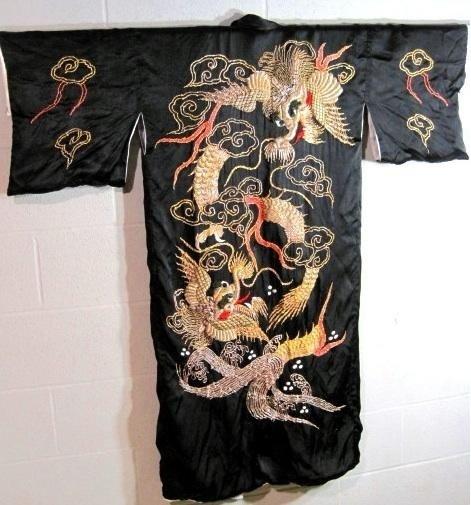 Kimono WW 11 Soldier Souvenir Extra High Relief Hand Em