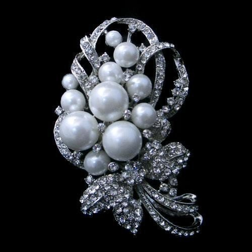 Swarovski Crystal and Pearl Knot Pendant Brooch Pin
