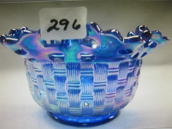 Hand made Beautiful Fenton Carnival Glass Basket/bowl