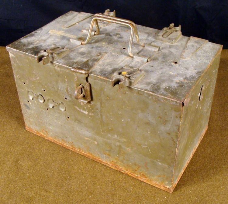 WWII U.S. MILITARY JEEP EQUIPMENT METAL CASE