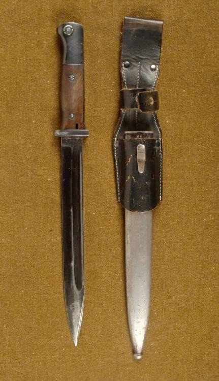 1940 ORIGINAL K98 NAZI COMBAT BAYONET WITH LEATHER FROG