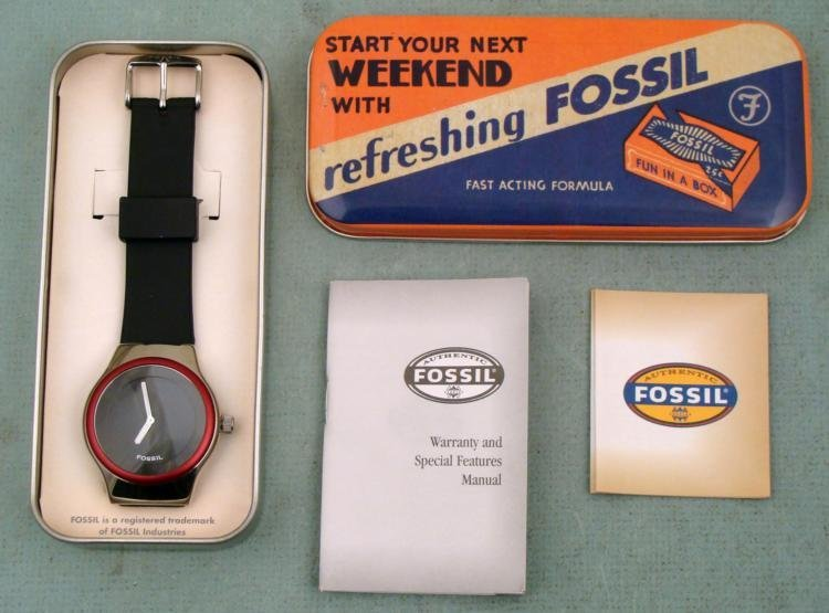 Mint in Box Modern Mens Watch Fossil Tin Box JR-7855