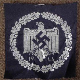ORIGNIAL NAZI 1944 SPORTS EAGLE AND SWASTIKA PATCH