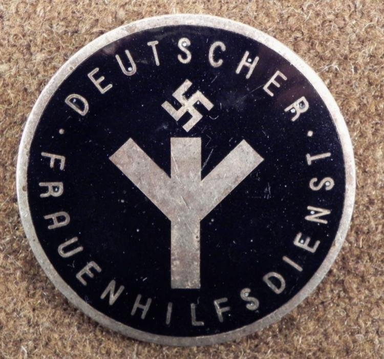 WOMEN NAZI DEUTSCHER FRAUENHILFSDIENST MEMBERS BROACH
