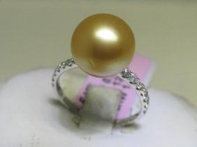Pearl and .28 Carat Diamonds 18K White Gold Ring