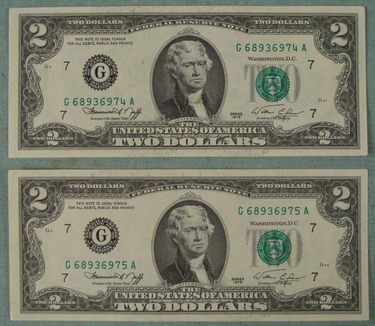 2 1976 CU $2 Dollar Bills Consecutive Numbered Chicago