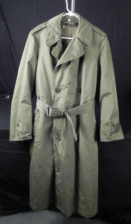 "U.S. ARMY ""OD"" OFFICER'S HEAVY RAINCOAT W/LINER SIZE M"