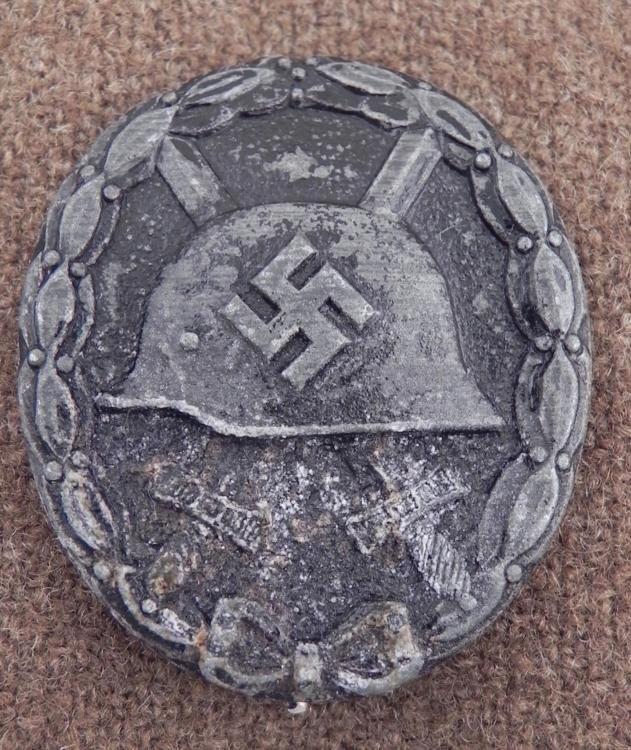 NAZI BLACK WOUND BADGE-ORIGINAL PINBACK