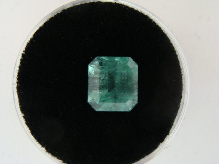 2.66 Carat Bright Glowing Green Emerald Gemstone