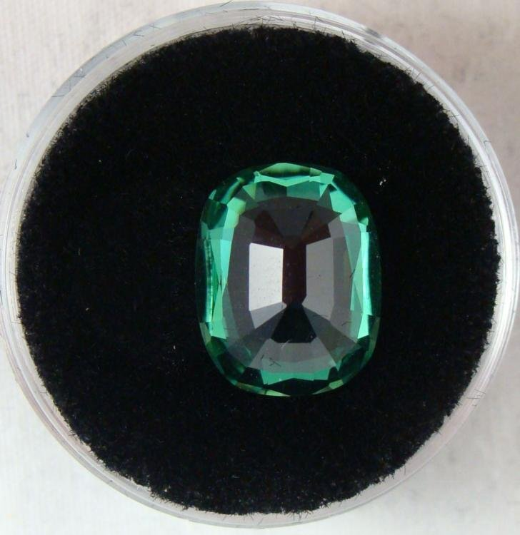 5.36 CT TSAVORITE GREEN CUSHION GEMSTONE - 2