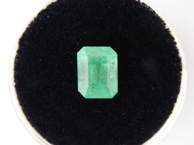 1.41 Carat Bright Glowing Green Emerald Gemstone