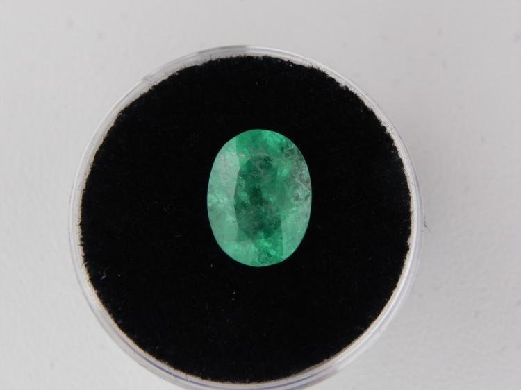 2.69 Carat Bright Glowing Green Emerald Gemstone