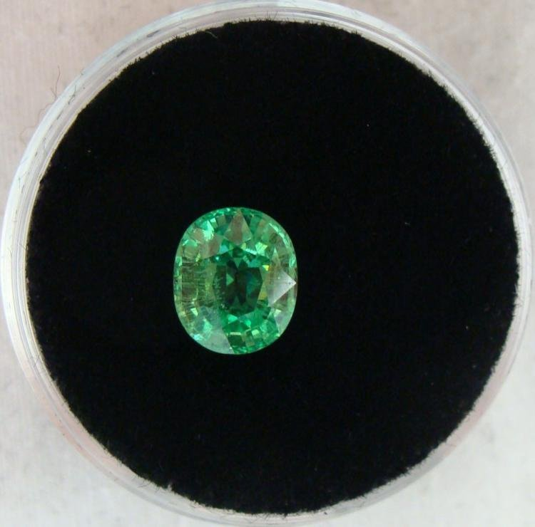 2.35 CT TSAVORITE GREEN OVAL - NATURAL GEMSTONE