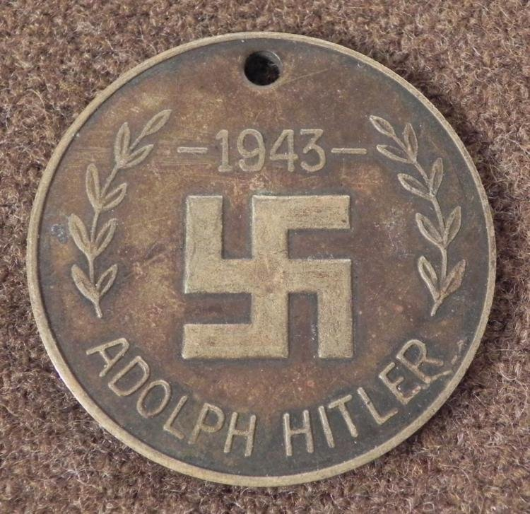 POST WAR 1943 ADOLF HITLER MEDALLION