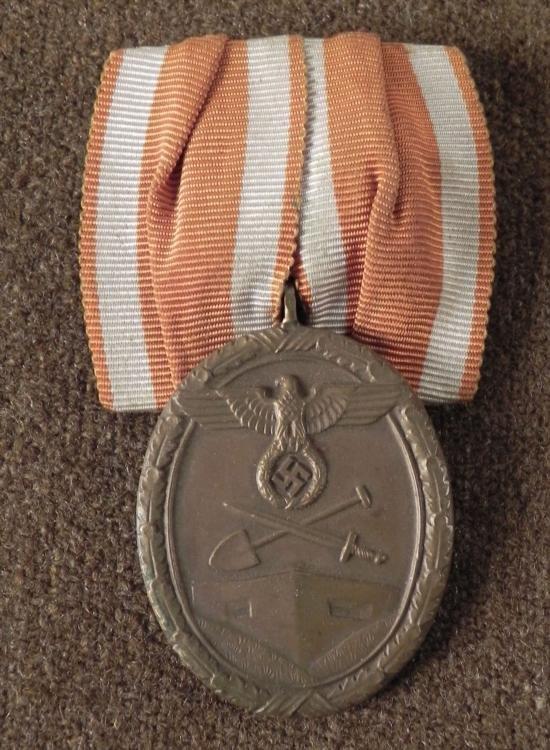 RARE ORIGINAL MOUNTING NAZI WESTWALL MEDAL AND RIBBON