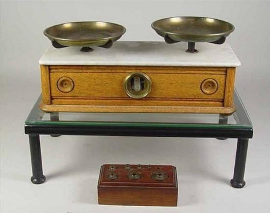 Oak & Marble Scales