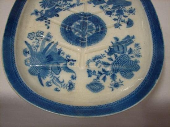 ET0503120159 18th C Blue and White Meat Dish c 1800