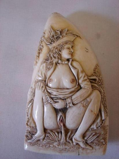 ET0503120126 Whales Tooth Erotically carved