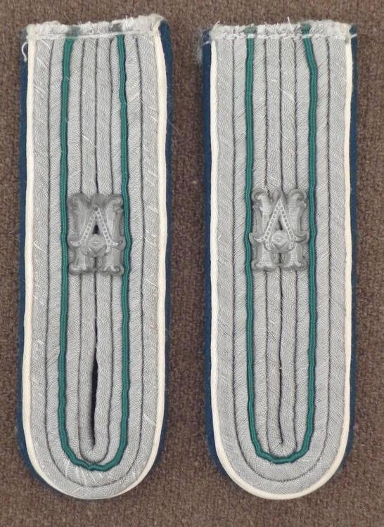 ORIGINAL NAZI WEHRMACHT/ARMY OFFICERS SHOULDER STRAPS