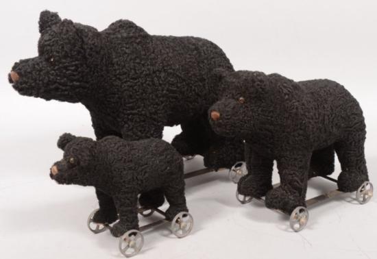 ET0503120168 Three Graduated Toy Black Bear Pull Toys.
