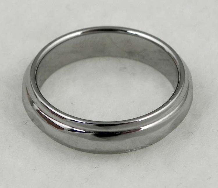 TUNGSTEN MANS RING W/ OVAL FACETS