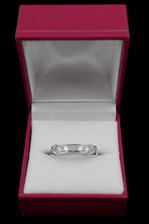 14K WHITE GOLD DE BEERS .66 DIAMOND RING