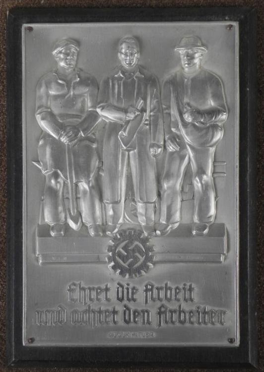 NAZI DAF/DEUTSCHES ARBEITSWORKERS LEAGUE METAL PLAQUE