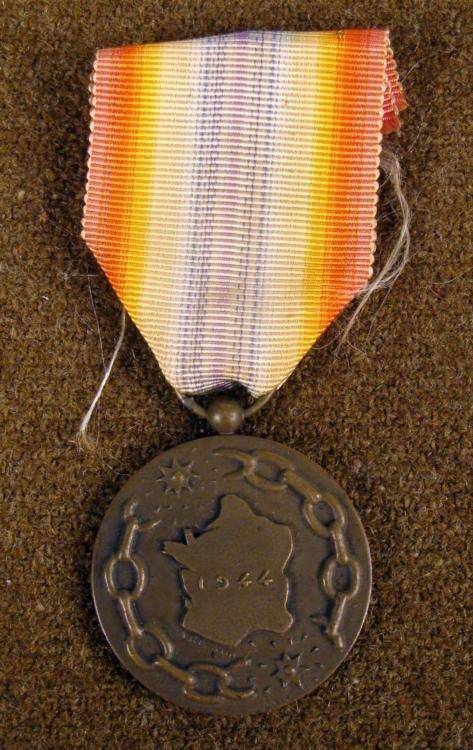 RARE FRENCH LIBERATION MEDAL 1944 ORIGINAL
