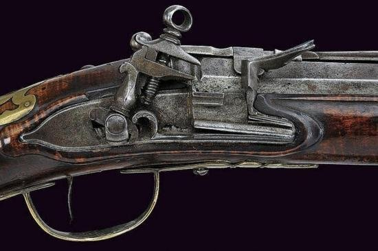 GT0607120005 A military flintlock gun with bayonet Roun