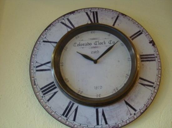 Reproduction clock Colorado clock