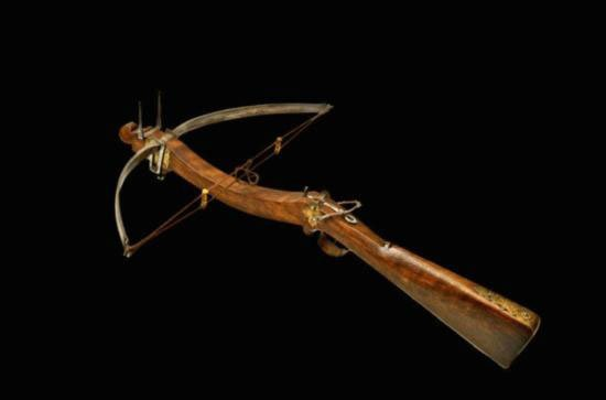 ET0606120036 A SMALL BULLET CROSSBOW Central Italy lat