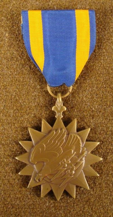 WWII U.S. AIR MEDAL- MERITORIOUS ACHIEVEMENT IN AERIAL