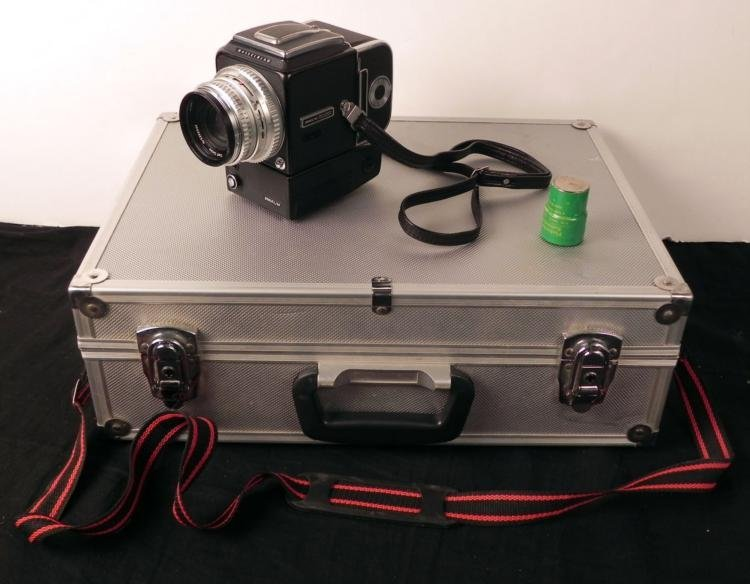 Hasselblad 500 EL/M 80mm Electric SLR Camera w/ Battery