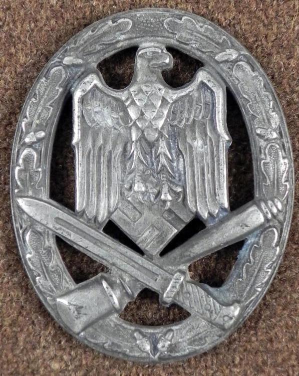 ORIGINAL NAZI GENERAL ASSAULT WEHRMACHT AWARD BADGE