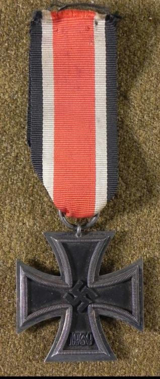 EARLY WAR NAZI IRON CROSS-2ND CLASS W/RIBBON -MAGNETIC